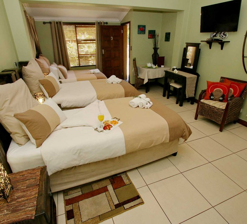 The Palms – Luxury Family Room